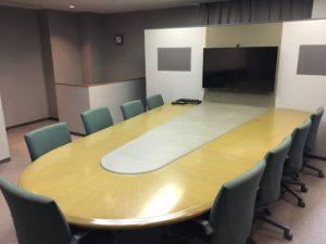 9名まで使用できる会議室(有料※格安)